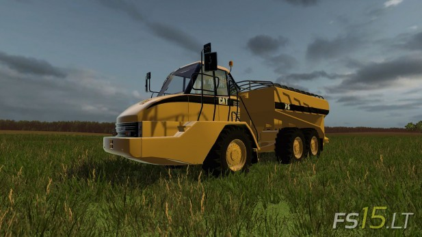 CAT-725A-Solid-Manure-Spreader-1