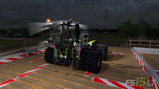 Claas-Xerion-Saddle-Trac-3800-2