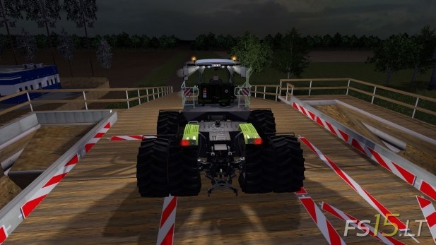 Claas-Xerion-Saddle-Trac-3800-4